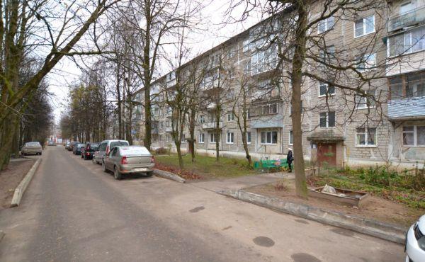 2 ком. квартира в п.Сычево на улице Нерудная д.11 (85 км от МКАД)